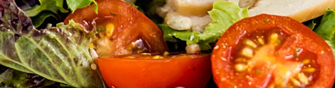 Tomates dans une salade